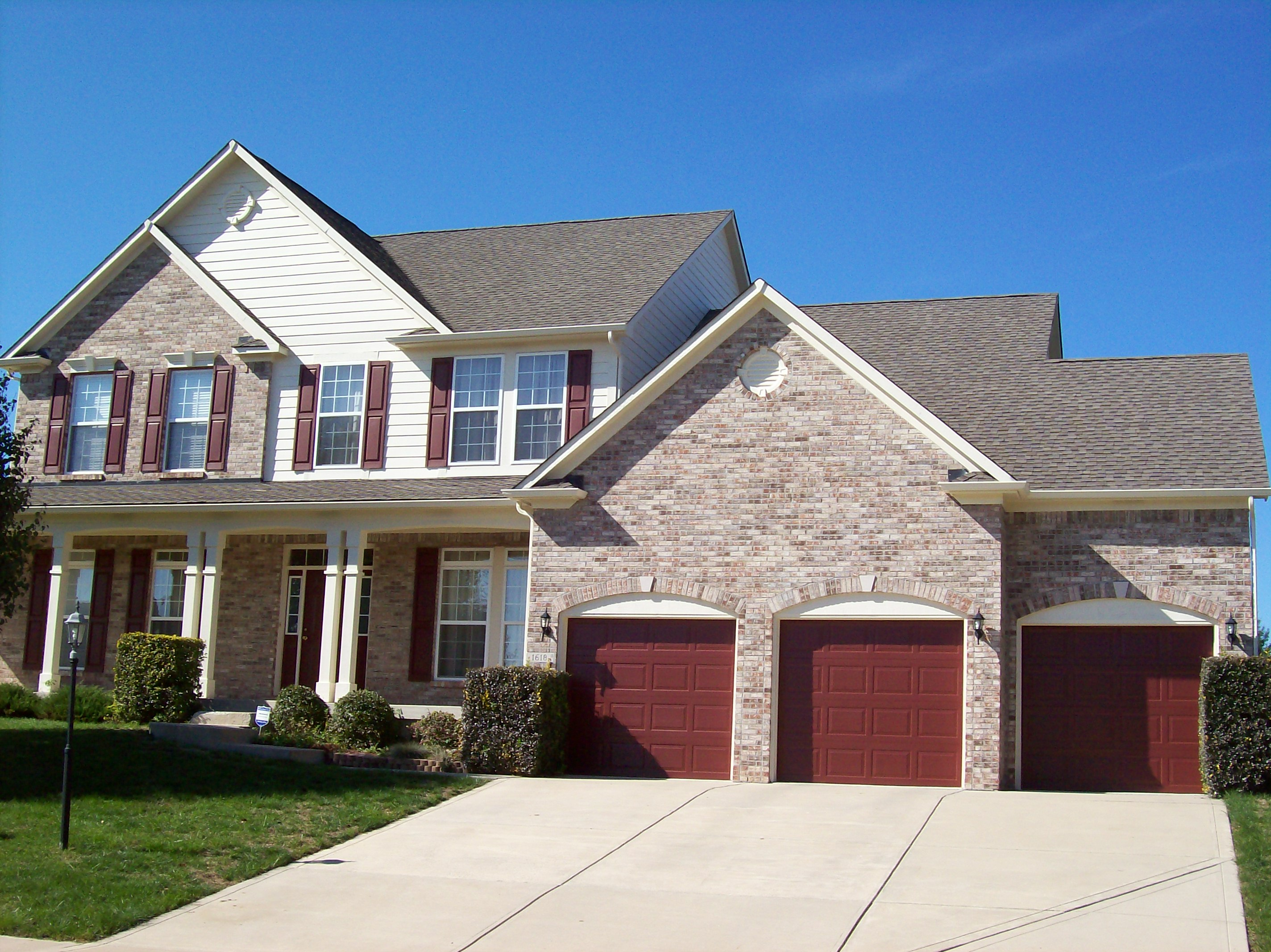 House cleaning professional exterior house cleaning indianapolis - Exterior home cleaning ...